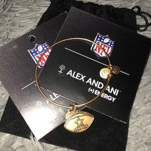 Alex and Ani cowboys NFL bracket